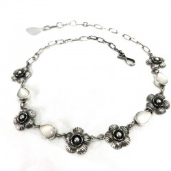 MotherPearl & Flowers Necklace
